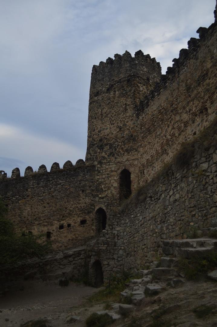 Крепостные стены Ананури