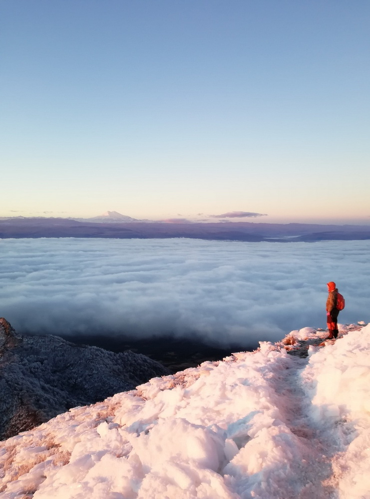 Эльбрус на рассвете с вершины Бештау