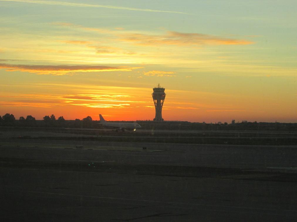 Рассвет в аэропорту