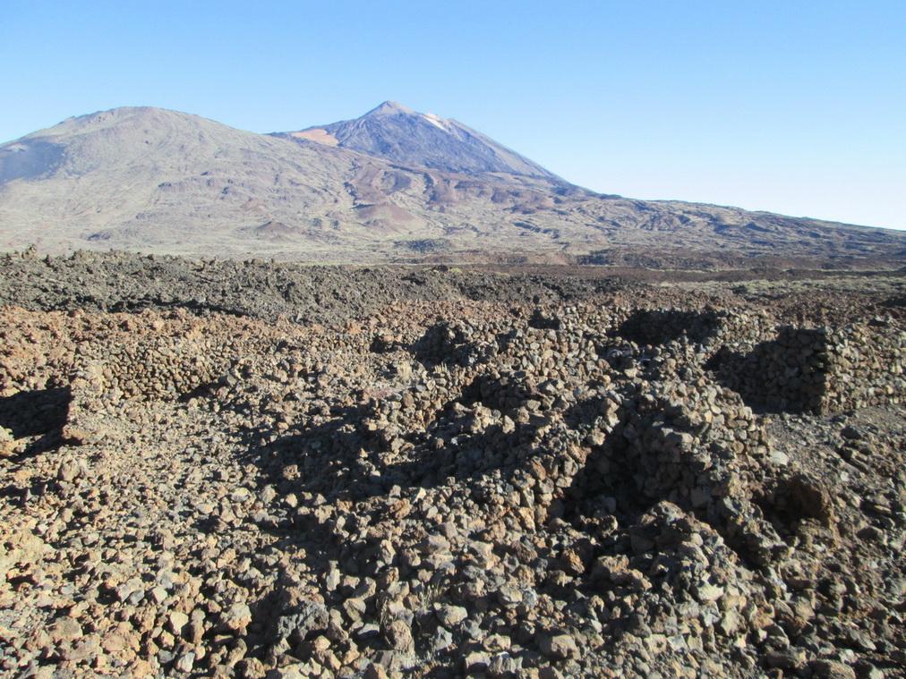Развалины уничтоженного извержением вулкана города