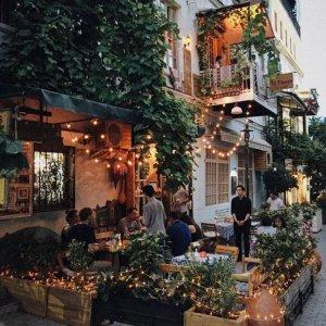 Теплые улочки вечернего Тбилиси