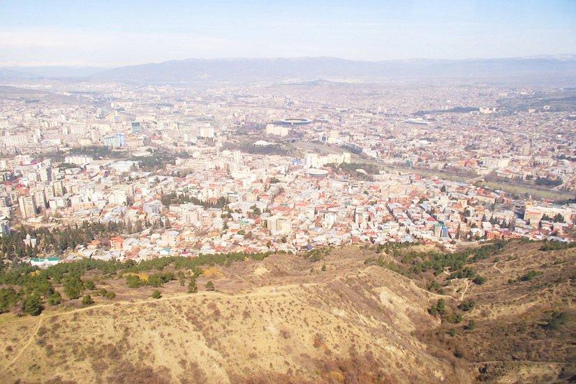 Вид сверху на Тбилиси