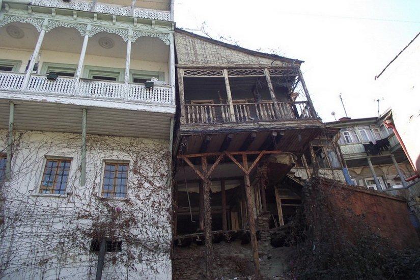 Разваливающиеся дома