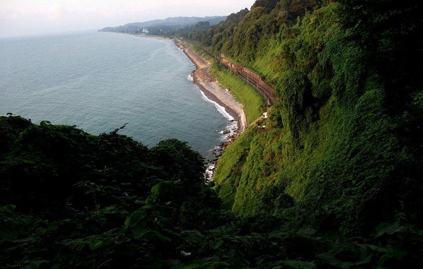 Вид на море с ботанического сада