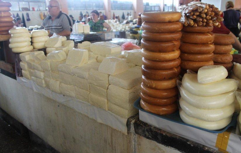 Грузинские сыры на рынке