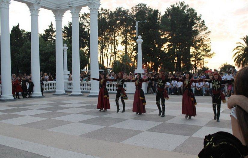 Национальные грузинские танцы