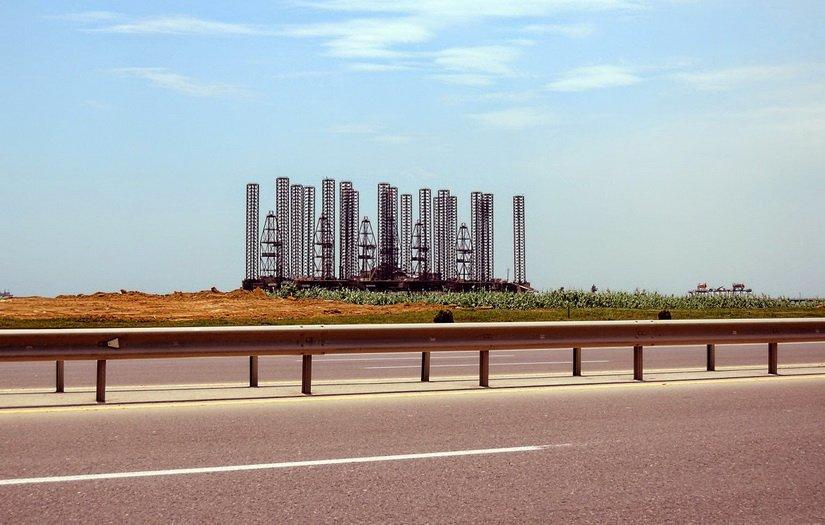 Нефтевышка в Азербайджане