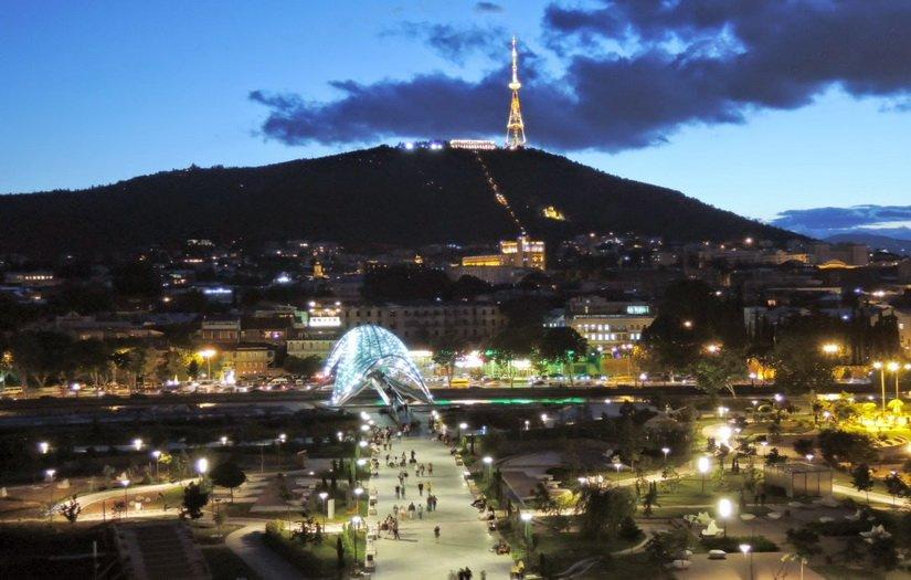 Тбилиси ночью