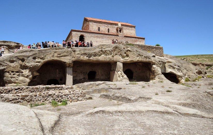 Уплисцихе - древний город в скале
