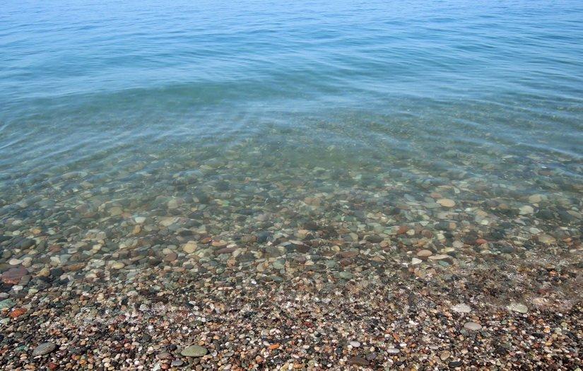 Прозрачность воды в Квариати в июне