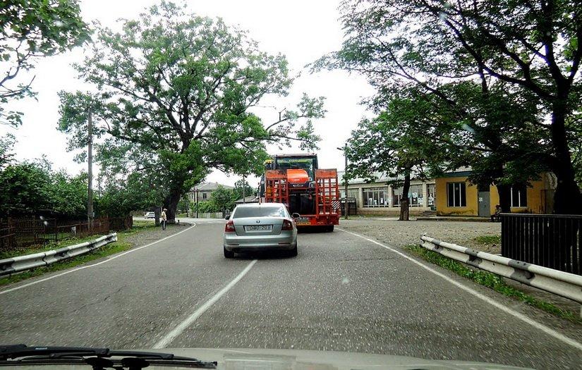 Типичная ситуация на грузинской дороге