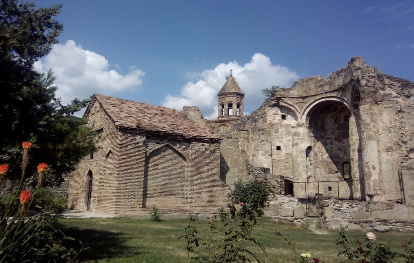 Фото монастыря в Ниноцминда