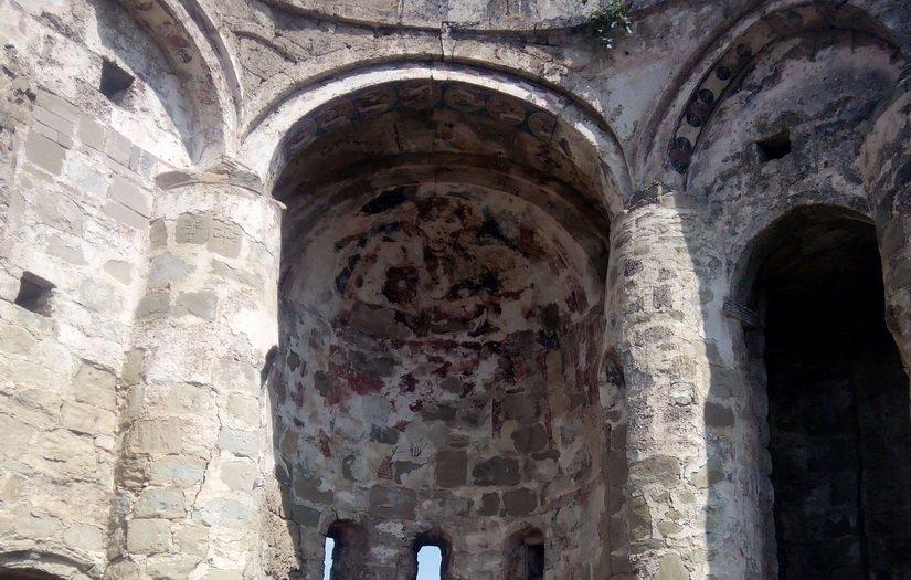 Сохранившиеся фрески храма