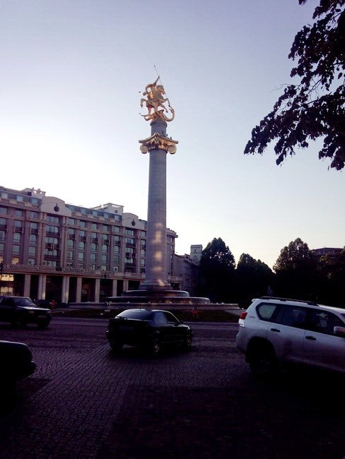 Святой Георгий на Площади Свободы