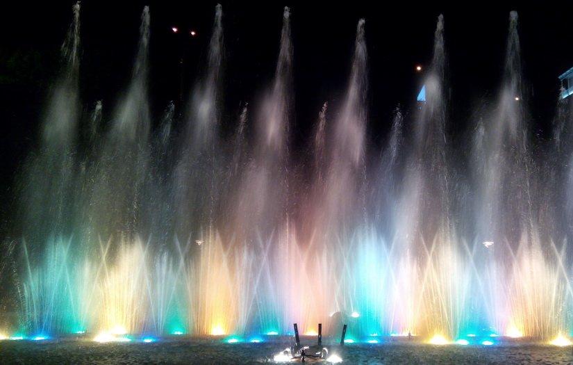 Музыкальные фонтаны в парке Рике