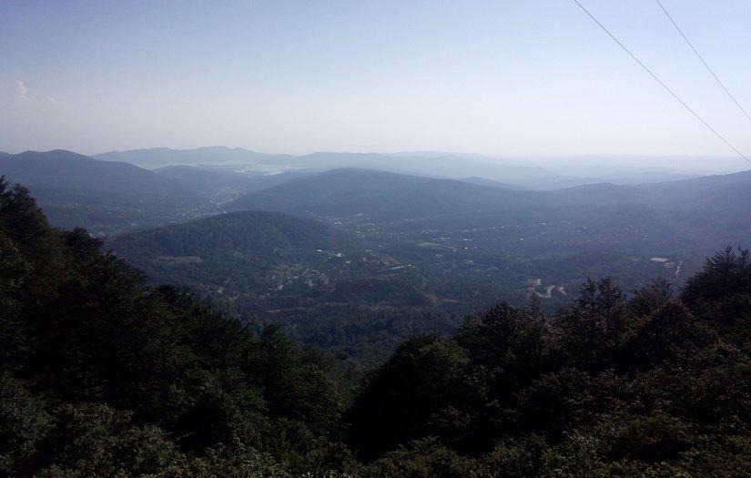 Фото Ткибули с перевала Накерала