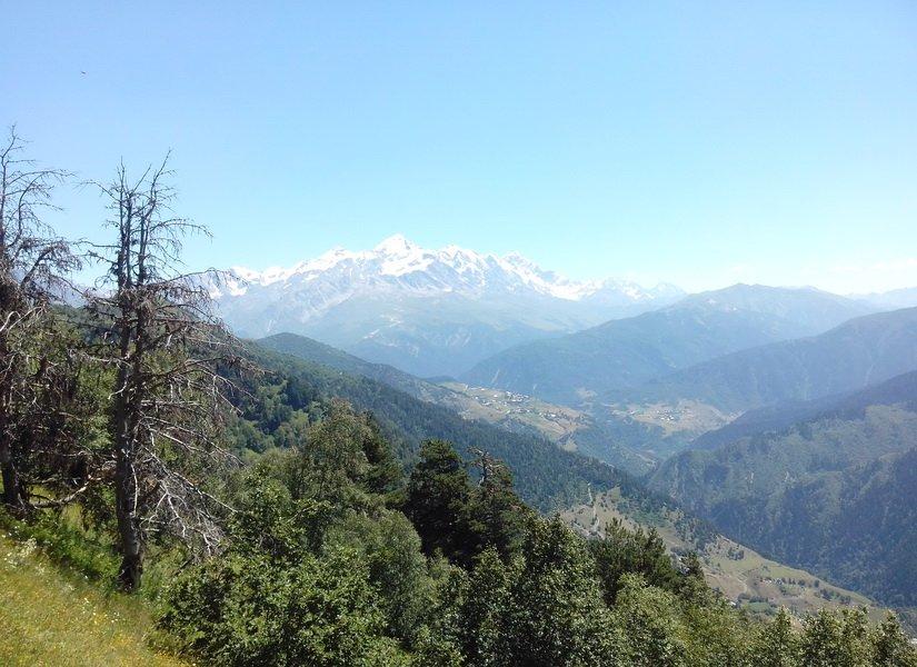 Вид с вершины Хацвали