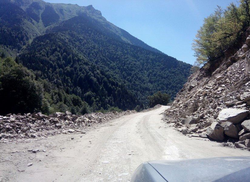 Обвалы на дороге Сванетии