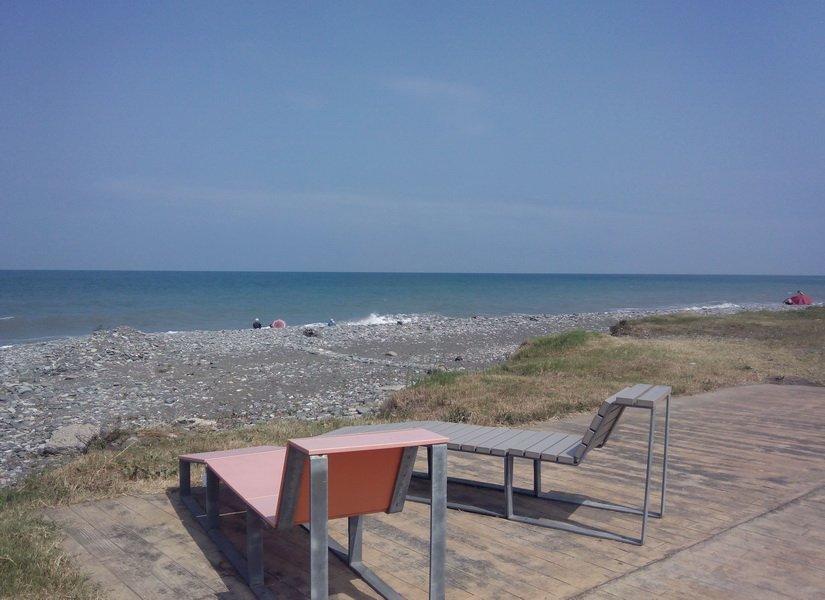 Пляж у Нового бульвара в Батуми