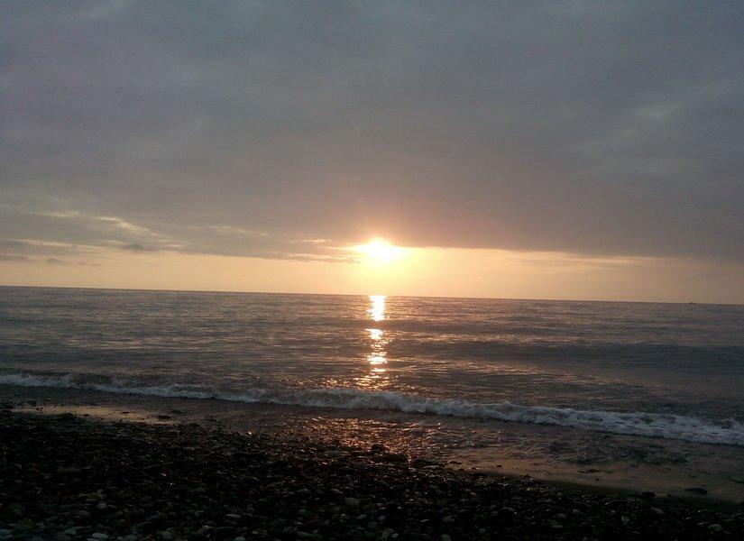 Закат над морем в Батуми